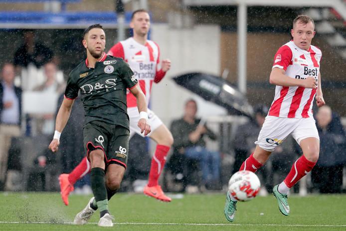 Mohamed Rayhi won gisteren met Sparta de eerste wedstrijd in de halve finales van de play-offs om promotie naar de eredivisie. TOP Oss werd in eigen stadion met 0-2 verslagen.