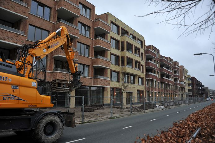 In Dordrecht wordt momenteel aan veel projecten gebouwd om het woningtekort terug te dringen, zoals hier op het Leerpark.