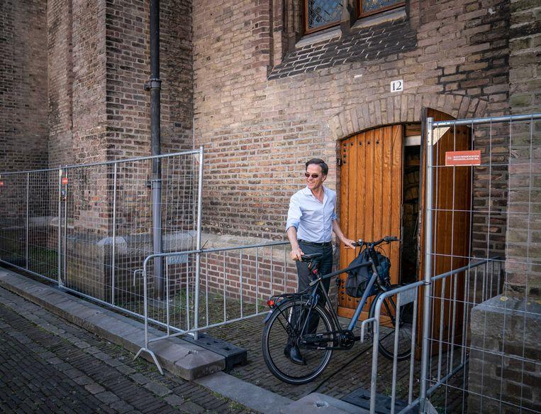 Demissionair premier Mark Rutte op het Binnenhof. Drie maanden na de verkiezingen is er nog altijd geen nieuw kabinet. Beeld ANP