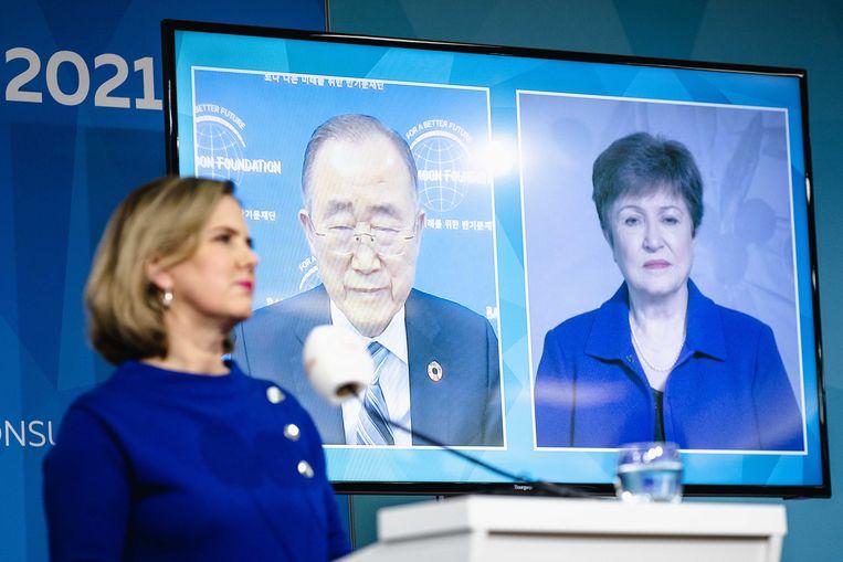 Cora van Nieuwenhuizen, demissionair minister van Infrastructuur en Waterstaat, Ban Ki-moon, secretaris-generaal van de Verenigde Naties en Kristalina Georgieva, directrice van het Internationaal Monetair Fonds, tijdens de online Climate Adaptation Summit (CAS). Beeld ANP