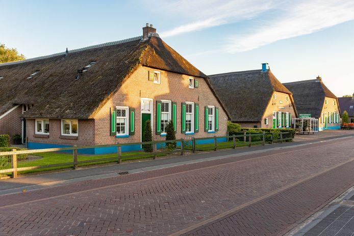 Staphorster boerderijen. Toeristen zijn welkom,  zegt lezer Jan Schra, maar ga ze niet geforceerd werven.