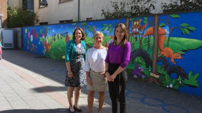 Muurschildering fleurt gemeentelijke basisschool 't Zonneveld op