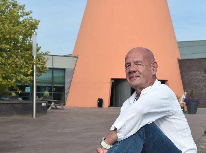 """Mike van Lieshout, voorzitter van naturistenzwemvereniging Delta Natuur: ,,Naakt zwemmen geeft een gevoel van ultieme vrijheid."""""""