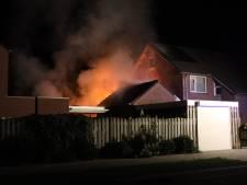 Schuren en woning lopen flinke schade op bij brand in Sint-Oedenrode