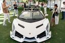 Deze Lamborghini Veneno Roadster (2014) werd voor bijna acht miljoen euro geveild.