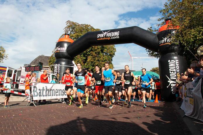 De start van de Rene Vos 10 kilometer in Laren.