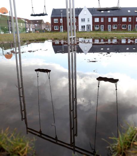 Speelterrein in Terneuzense wijk Lievenspolder is onbedoeld een natte boel
