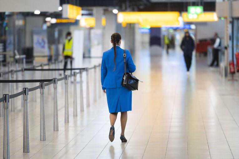 Een sterwardess van KLM op Schiphol. Beeld ANP