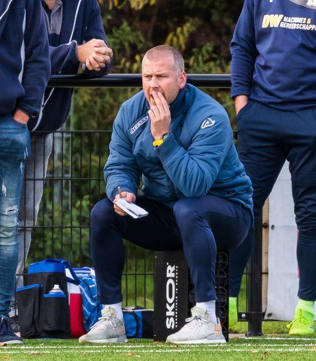 Ex-prof Houwing twee jaar langer coach SV Almelo