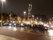 Bouwers en boeren protesteren tegen politie in Arnhem: 'Klaar met het machtsmisbruik'