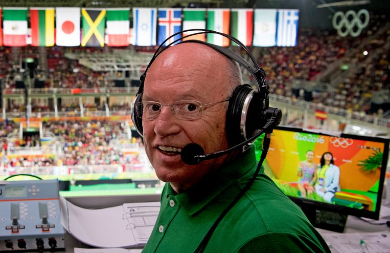 Hans van Zetten op de perstribune tijdens het ritmisch gymnastiektoernooi in de Future Arena tijdens de Olympische Spelen in Rio. Beeld Hollandse Hoogte /  ANP