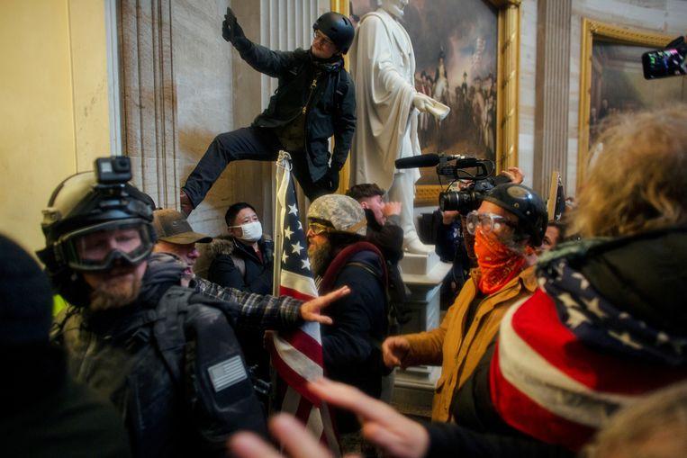 Op 6 januari bestormden aanhangers van Donald Trump het Capitool in Washington.  Beeld REUTERS