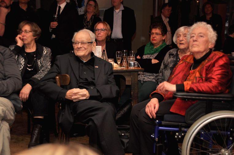 Hanneke Bakker naast Jules Schelvis. Beeld