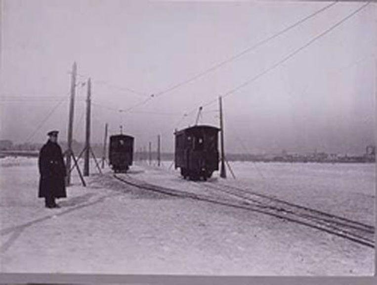 Wintertram op de Neva, Jaren 1900. Foto Karl Bulla Beeld