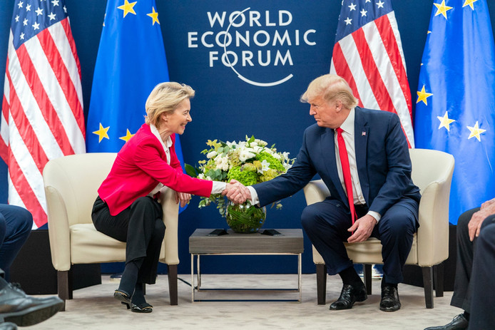 Ursula von der Leyen s'est entretenue avec Donald Trump à Davos.