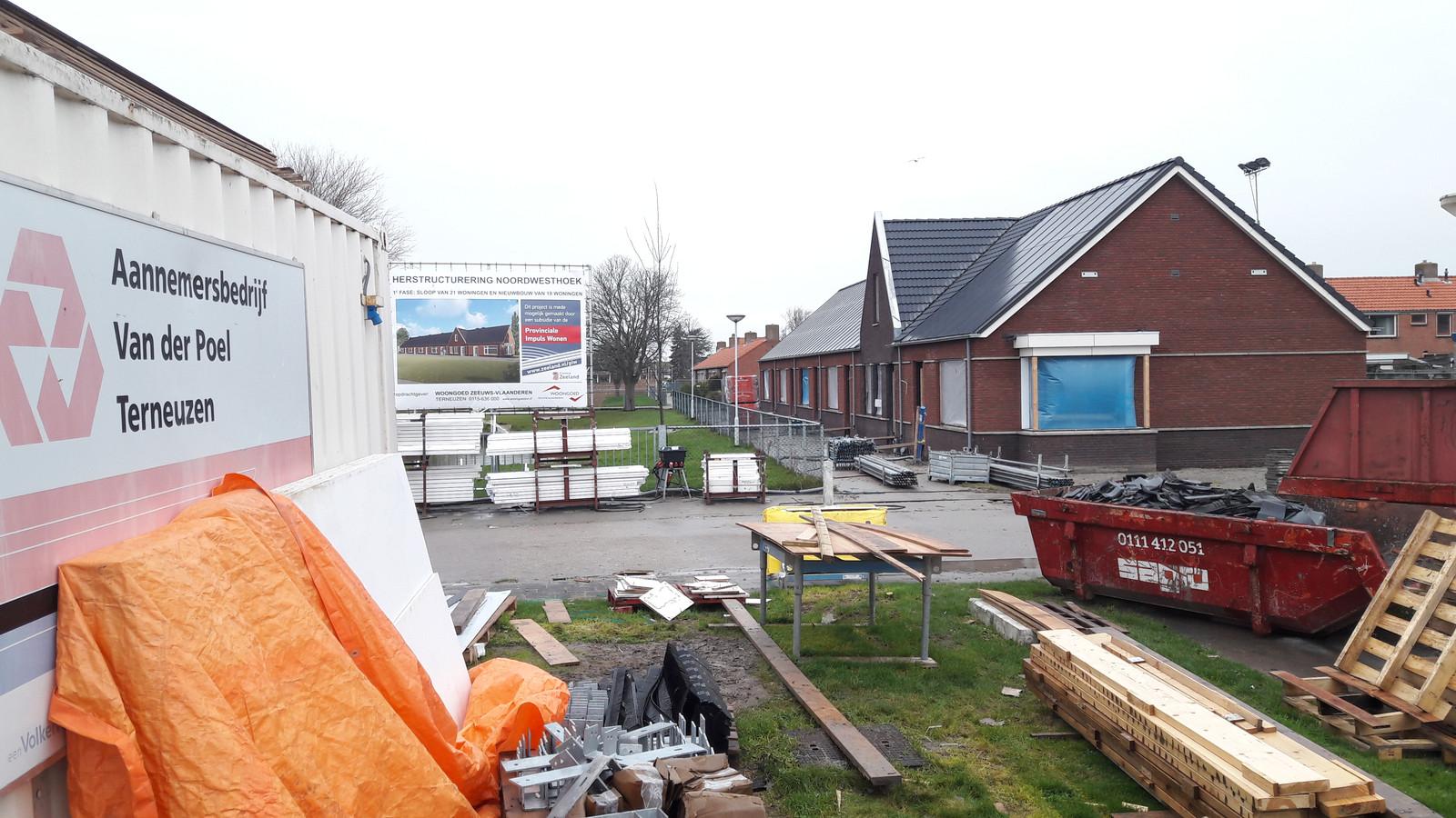 Nieuwbouw aan de Vijverlaan in de wijk Noordwesthoek in Breskens. Sinds de corona-maatregelen die het kabinet op 15 maart afkondigde, groeit de bevolking van Zeeuws-Vlaanderen weer iets.