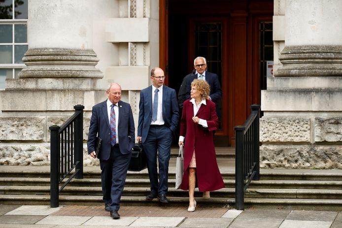 Unionisten verlaten Hooggerechtshof van Belfast nadat hun aanklachten verworpen zijn