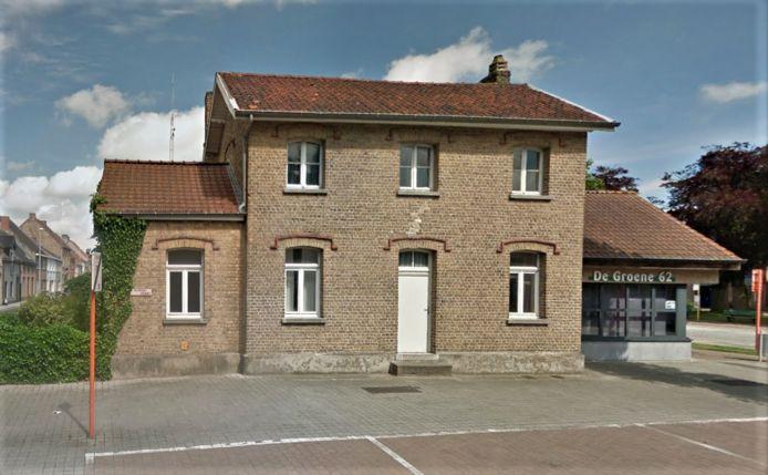 Het spoorweghuisje in de Nieuwpoortsesteenweg in Gistel