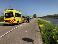 Hulpdiensten naar de verkeerde locatie gestuurd: wielrenner ligt halfuur gewond op straat