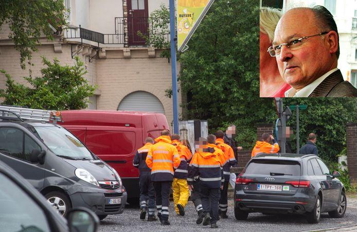 Speurders en Civiele Bescherming voeren onderzoek aan het huis van de vermiste Jean Vercarre (inzetfoto) in Wetteren.