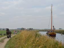 Historische schepen feestelijk onthaald in Steenbergen, Bietentocht maandag van start