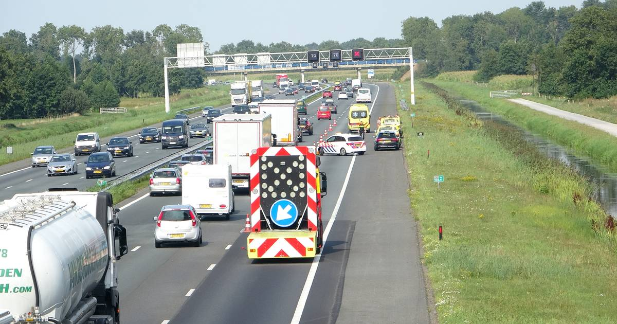 File door ongeval met vier autos op A28 bij Rouveen.
