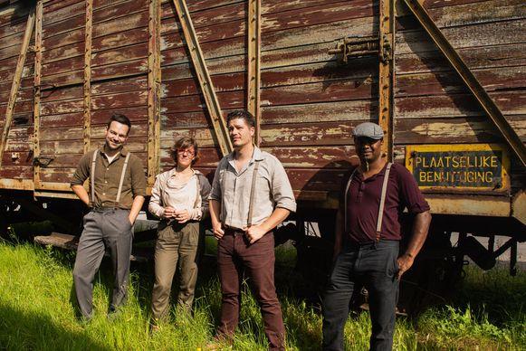 Folkband De Nouveau, met van links naar rechts Jef, Katleen, Wouter en Wim.