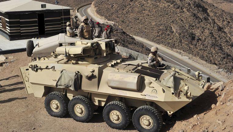 Saoedische soldaten aan de Jemenitische grens. Beeld REUTERS