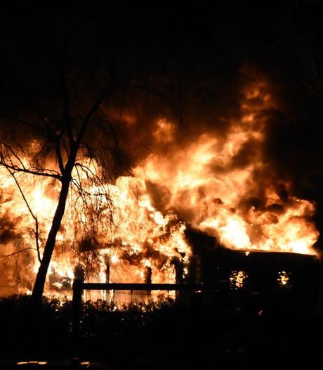 'Meer controles op brandveiligheid veestallen in Zuidplas'