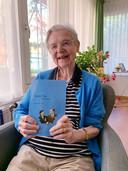 Agaath Melman-Petit debuteert op 92-jarige leeftijd als schrijfster