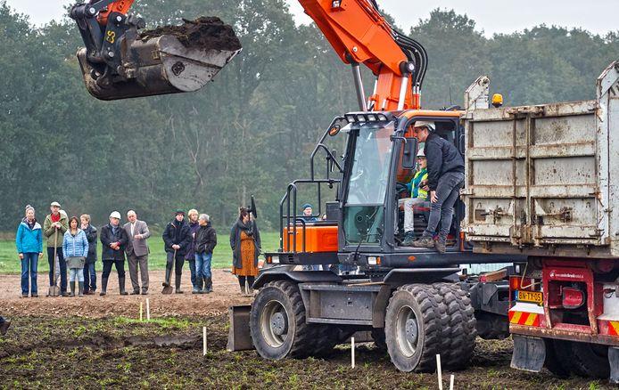 Het eerste grondwerk van het ecodorp in Boekel, in oktober.