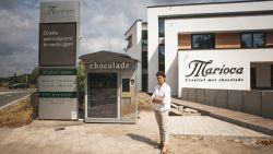 """Zomerreeks: wat doet die winkel daar? Chocoladewinkel Marioca aan verkeerswisselaar: """"Tja, wij waren hier wel eerst hé"""""""