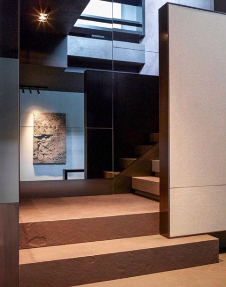 De woning van Glenn Sestig met monumentale trap.