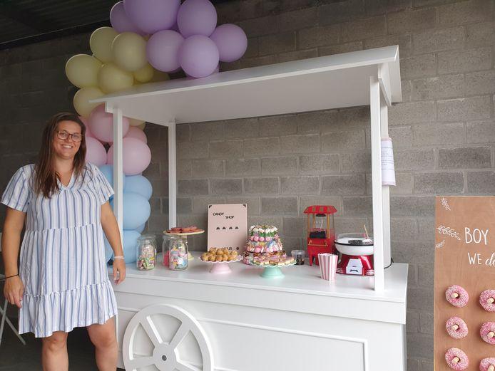 Tinne Verheyen opent in de Veilingstraat een winkeltje waar je terechtkunt voor alles rond kinderfeestjes, geschenkartikel voor baby's, meters, peters of wat dan ook.