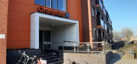 Bewoner klaagt over kantoor en wint: ZorgAccent vertrekt uit Oranjeflat in Rijssen