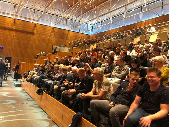 Boeren zijn opnieuw naar het provinciehuis in Zwolle gekomen, nu voor de vergadering van Provinciale Staten