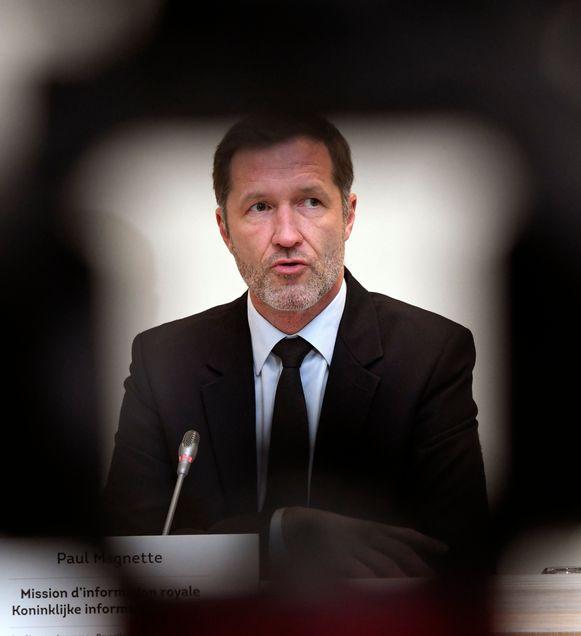 Informateur Paul Magnette (PS) organiseerde met de zes paars-groene partijen (PS, sp.a, MR, Open Vld, Ecolo en Groen) een geheime ontmoeting. CD&V en N-VA waren niet uitgenodigd.