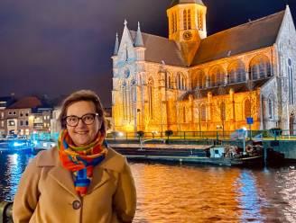 Soroptimist kleurt Oudenaardse monumenten oranje om geweld tegen vrouwen aan te klagen