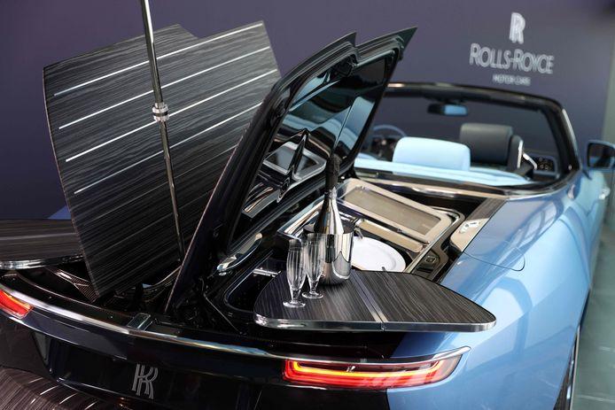 De eerste van drie Rolls-Royce Boat Tail's tijdens de voorstelling donderdag.