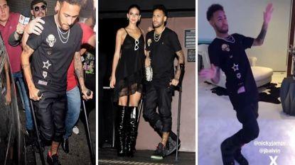 Neymar trekt met verstevigend verband rond voet het Braziliaanse nachtleven in en toont dat hij zelfs op één been nog altijd een prima danser is
