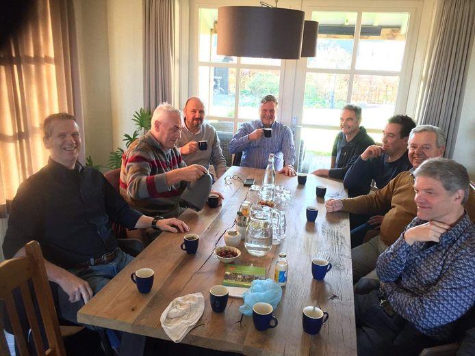 VVD, Algemeen Belang en CDA op de koffie bij varkensboer Vermeer in Moergestel