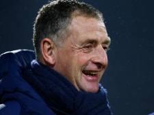 Bolletje wol als kerstcadeau voor FC Eindhoven-trainer: 'Vaak breien en puzzelen'