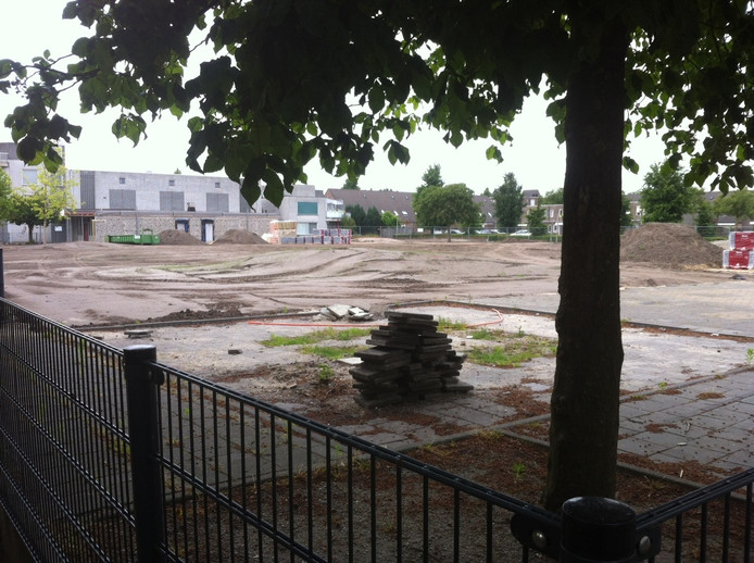 Op de plek van de afgebrande scholen in Uden komt een nieuw schoolgebouw te staan. Totale investering: 3,5 miljoen euro.