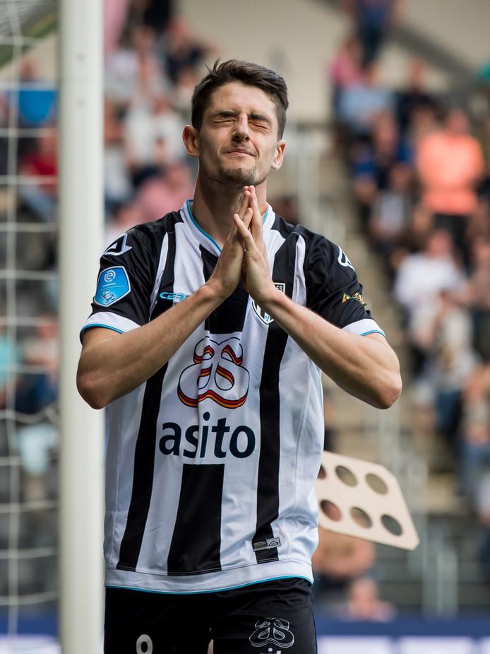 Adrian Dalmau kreeg de kansen tegen FC Utrecht, maar had het vizier dit keer niet op scherp staan.