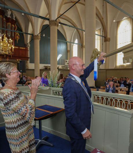 Ereburgerschap en lintje voor vertrekkende burgemeester van Kampen