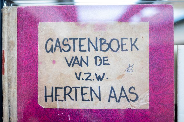 Tentoonstelling Navelstreng in Galerie M te Mechelen