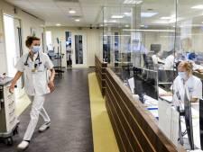 Topvrouw HMC is agressie op corona-afdelingen zat en zet beveiligers in: 'Er is woede om verplaatsen patiënten'