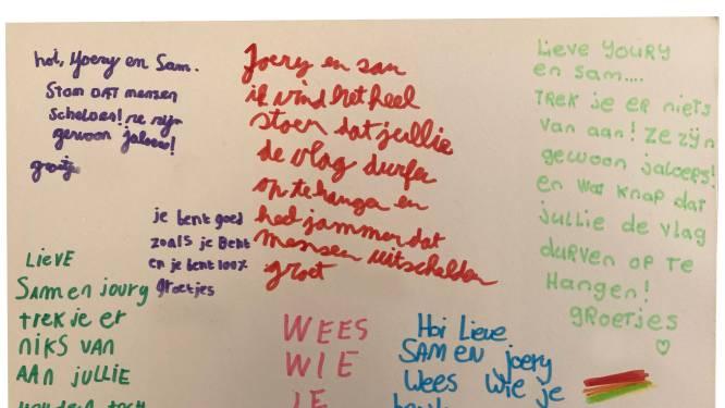 'Je bent goed zoals je bent': leerlingen sturen Sam en vriend kaarten na scheldpartij vanwege regenboogvlag