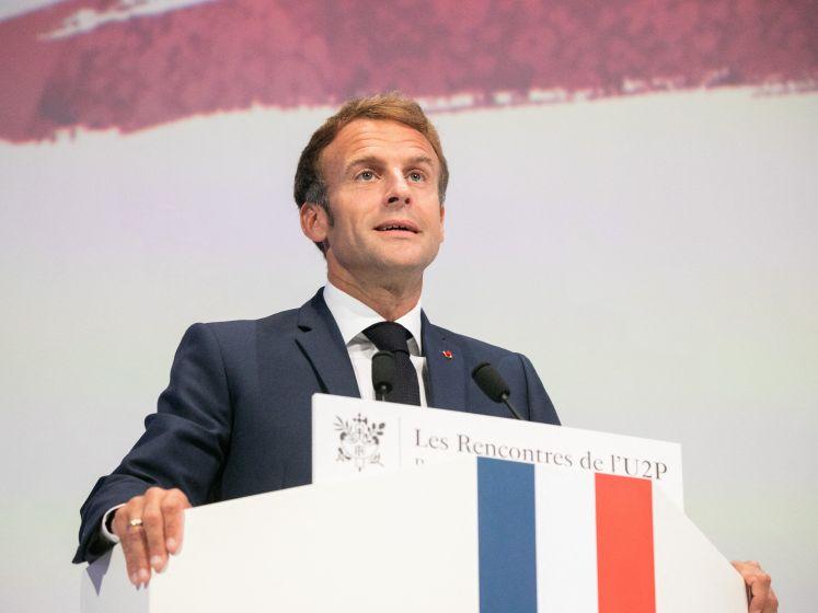 Le président Macron réfléchit à moins de restrictions