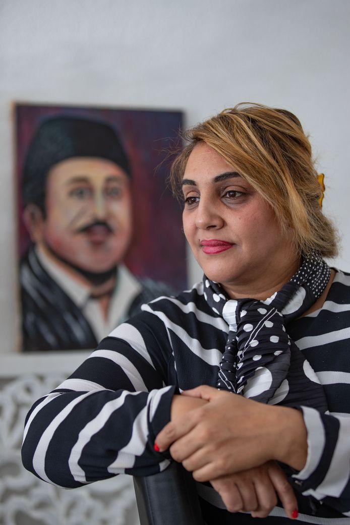 Hajia Zaki is vervuld van trots na haar ontdekkingsreis naar Marokko. ,,Deskundigen bevestigden wat ik eerder al had gehoord in Nederland: dat zijn werk kenmerken heeft van Vincent van Gogh.''